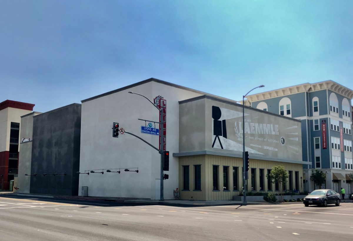 laemmle-newhall_facade